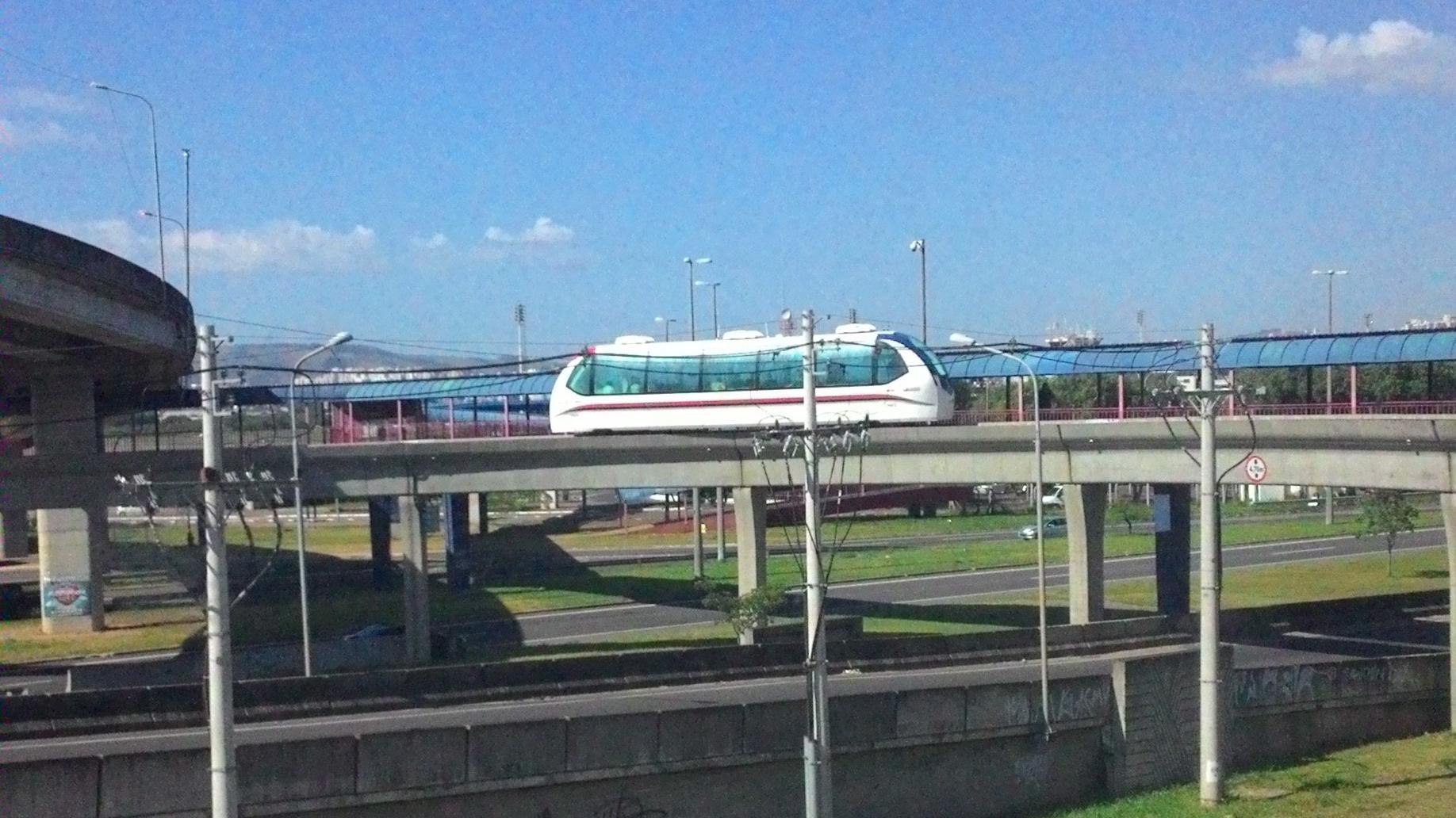 Aeromóvel, em Porto Alegre