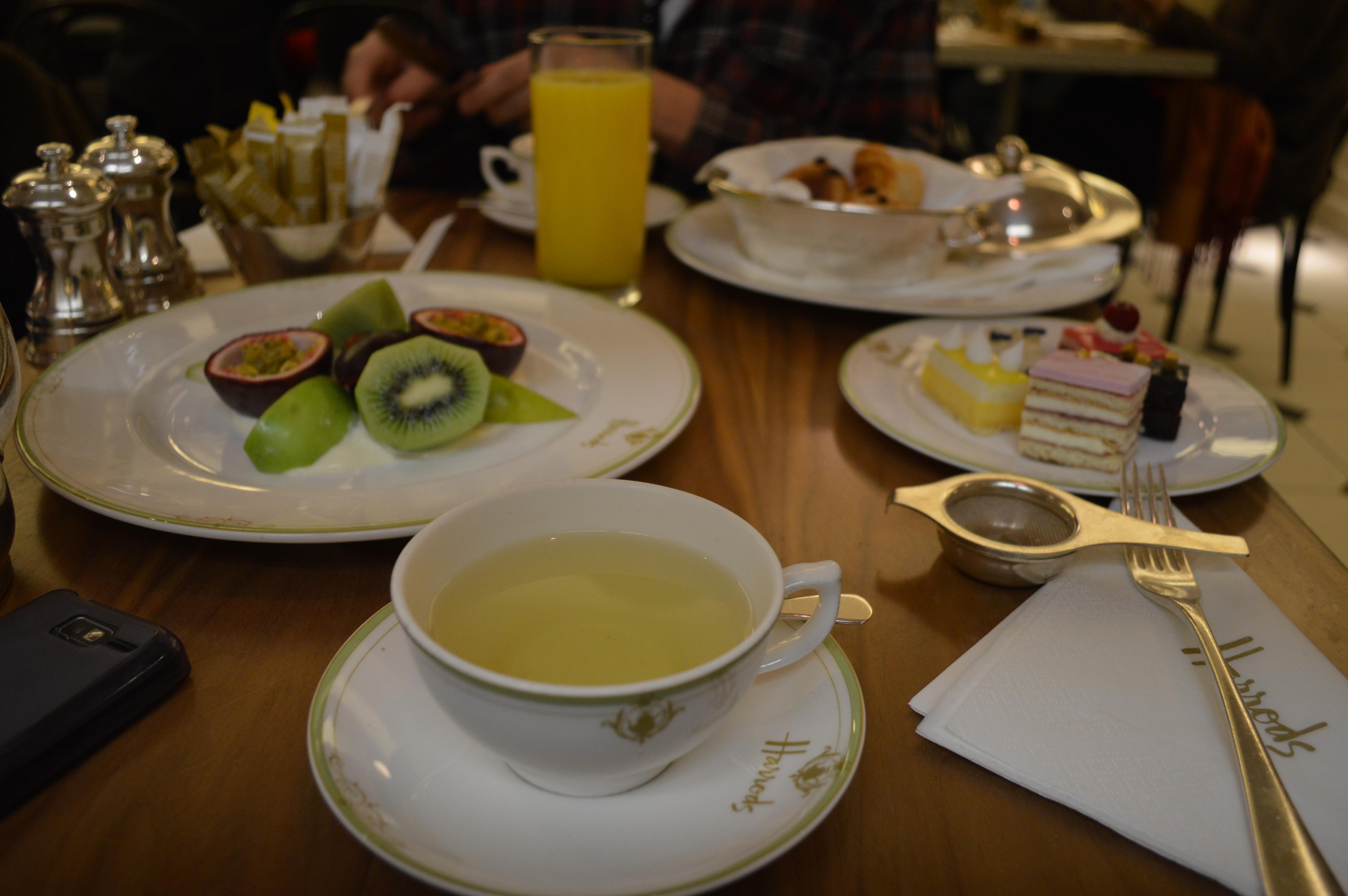Chá das 5, em Londres
