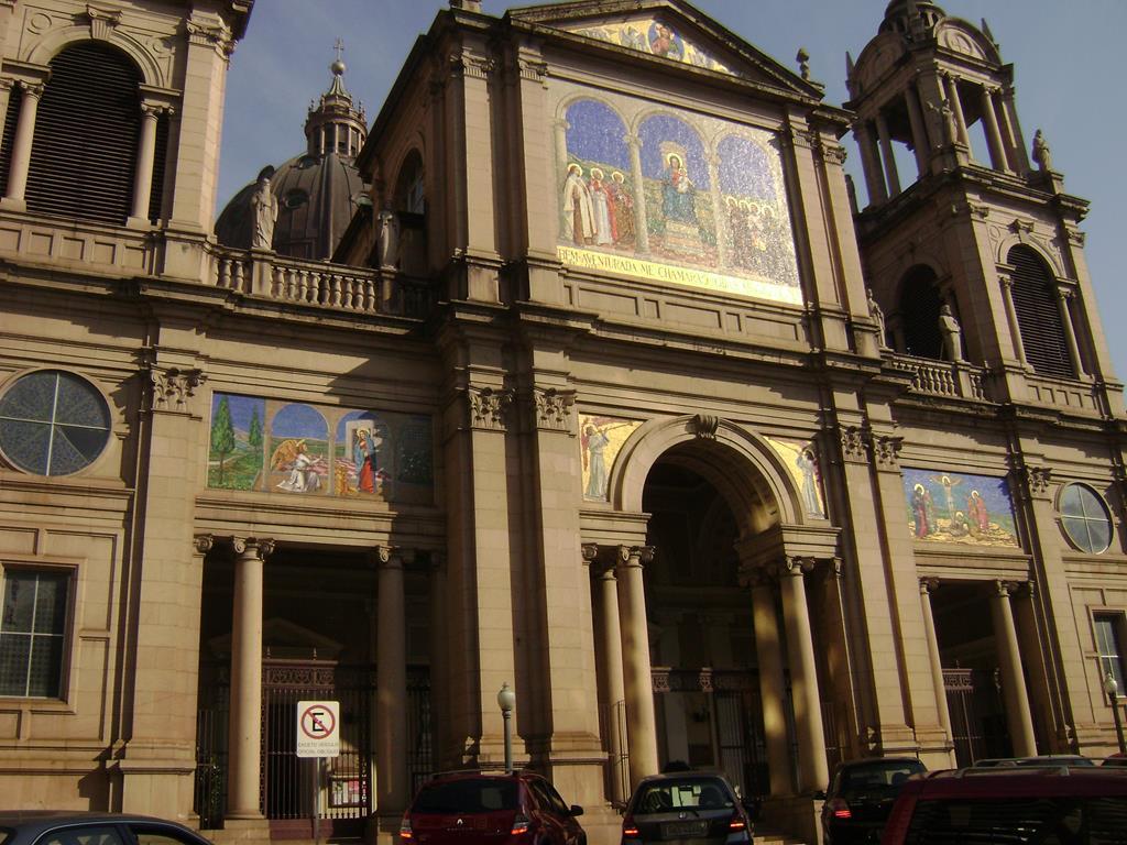 Catedral Madre de Deus, em Porto Alegre