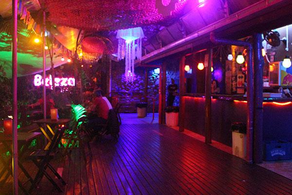 Beleza Pura Cosmic Bar: gastronomia e balada