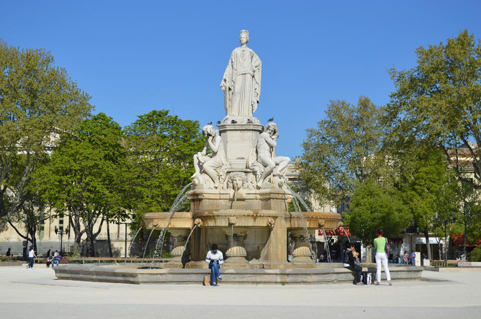 Esplanada Charles de Gaulle, em Nimes