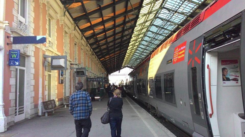 Como é andar de trem pela França?