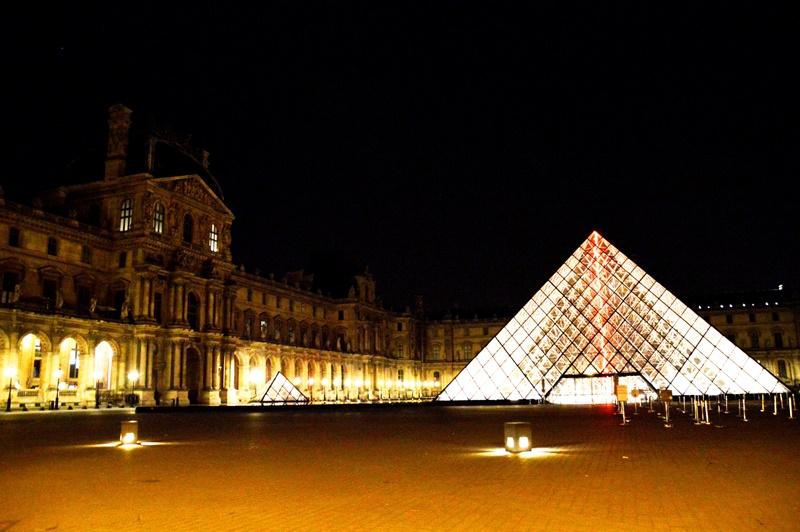 As grandes obras do Museu do Louvre, em Paris