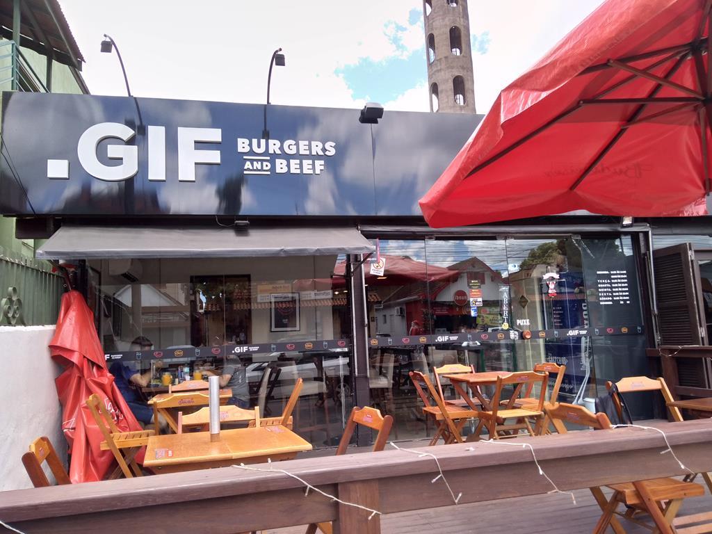 .GIF Burgeres and Beefs, em Canela